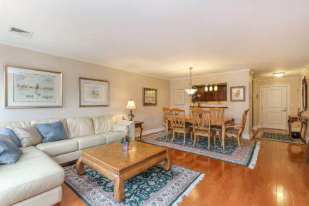 Interior Photograph of 11 Cheriton Road, Unit 306, Boston MA