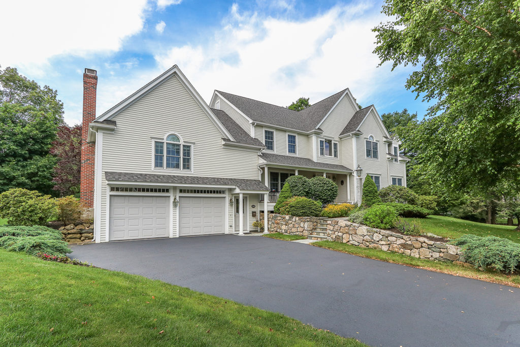 Front Exterior Image of 162 Greenhill Road in Westwood MA