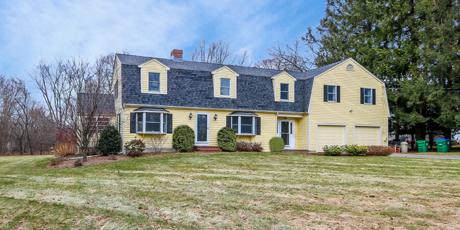 Front Exterior Photograph of 26 Fox Hill Street, Westwood MA